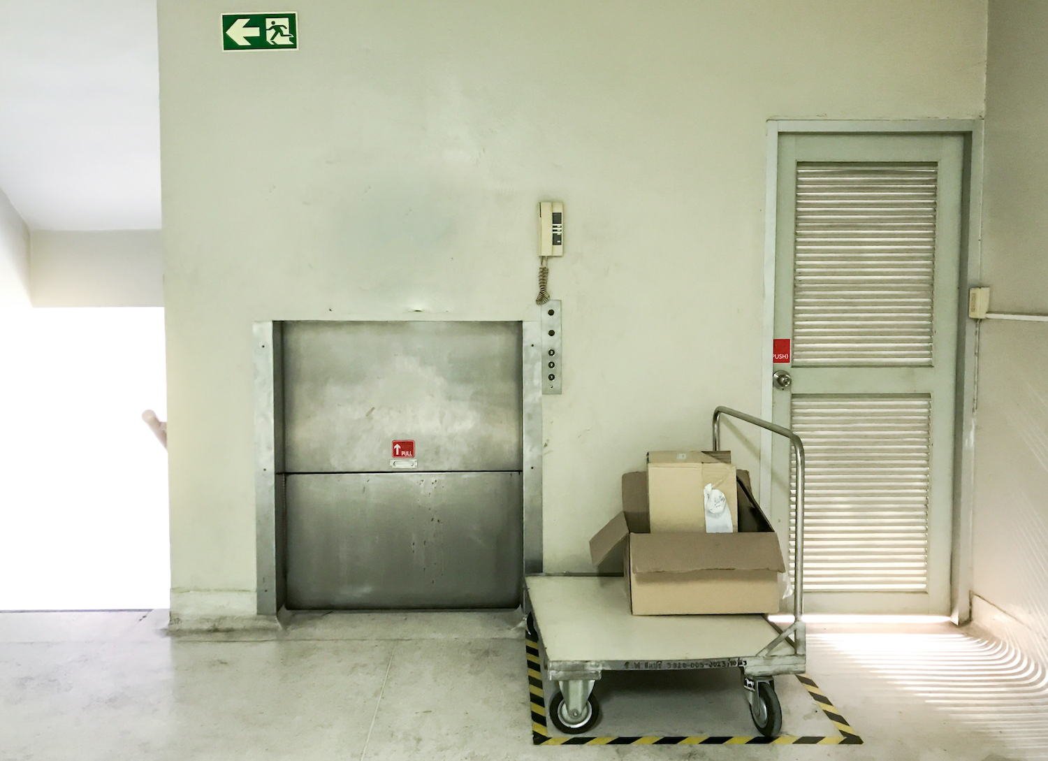 Goods lifts, service lifts and dumb waiters – what can go wrong?